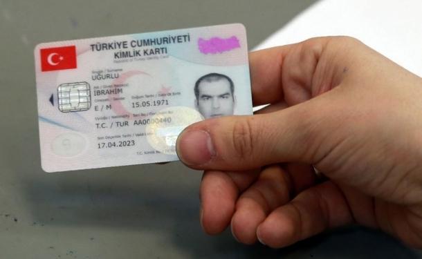 Yeni kimlik kartına başvurular başlıyor: İşte ücreti...