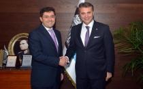 Fikret Orman'dan Beşiktaş Belediye Başkanı Hazinedar'a Ziyaret