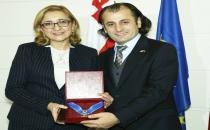 Gürcü Kültür Evine 'ALTIN POST DEVLET NİŞANI''