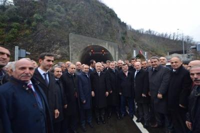 Hopa-Borçka Cankurtaran Tüneli Hizmete açıldı.